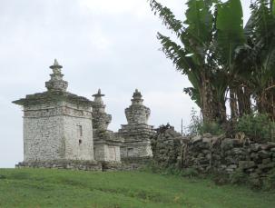3 stupas2