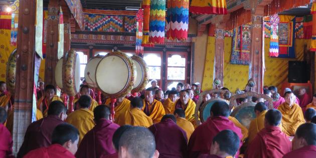 Monk.chanting-2